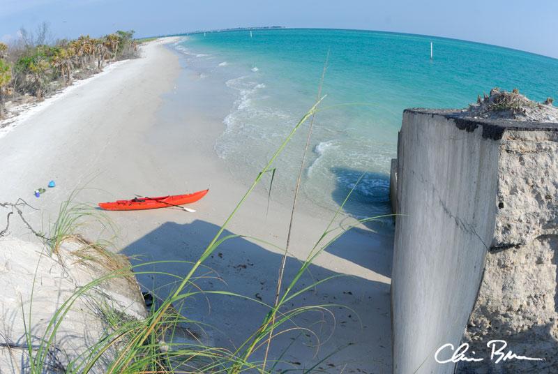 kayak Paradisebuildering climbing